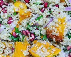 Ensalada de quinoa con calabaza y granada